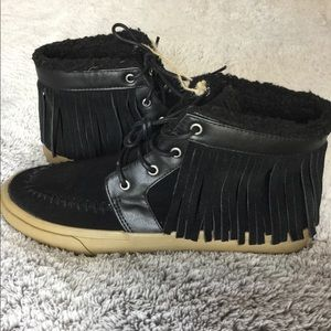 AEO fringe moccasin high top sneakers